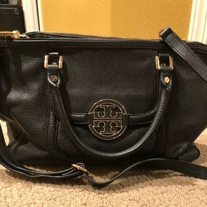 Authentic NWT Tory Burch leather purse